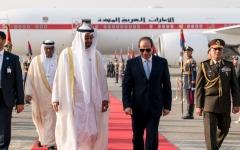 الصورة: محمد بن زايد يصل إلى القاهرة