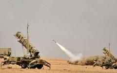 الصورة: الدفاع الجوي السعودي يدمر صاروخاً باليستياً في سماء جازان