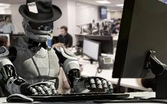 الصورة: خبراء إعلاميون: ثورة الروبوتات لن تستبدل الصحافيين