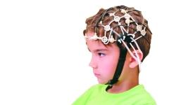 الصورة: جهاز لمسح المخ  يُمكن ارتداؤه كخوذة