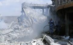 الصورة: ضربات «ثلاثية» تدمر مواقع الأسد الكيماوية
