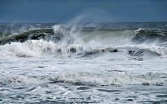 الصورة: الوطني للأرصاد: استمرار اضطراب البحر في الخليج العربي وبحر عمان