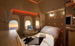 الصورة: طيران الإمارات تعرض جناح الدرجة الأولى الجديد في سوق السفر العربي