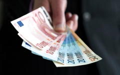 الصورة: اليورو يعود صوب 1.24 دولار