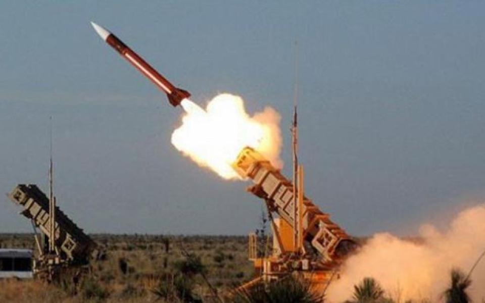 الصورة: السعودية تعترض صاروخاً باليستياً أطلقته الميليشيات الحوثية