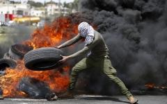 الصورة: استشهاد 5 فلسطينيين برصاص جيش الاحتلال الاسرائيلي في غزة
