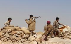 الصورة: بإسناد من القوات الإماراتية..المقاومة اليمنية تسيطر على مواقع استراتيجية بالساحل الغربي