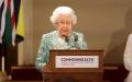 الصورة: الملكة إليزابيث تكسر القواعد الملكية في عيد ميلادها الـ 92