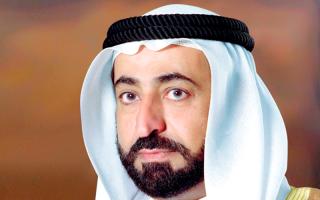 حاكم الشارقة يدعم نادي خورفكان بـ 2.4 مليون درهم