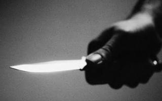 الصورة: يقتل 7 أطفال ويصيب 12 طعناً بسكين