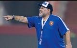 الصورة: الفجيرة يقيل مارادونا