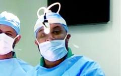 الصورة: جهود متواصلة في تعزيز التقنية المتطورة لاستئصال الغدة الدرقية بمستشفى دبي