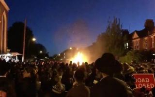 الصورة: بالفيديو.. إصابة 30 شخصا بانفجار في احتفال يهودي شمالي لندن