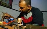 الصورة: فلسطيني يحوّل رصاص الاحتلال إلى تحف فنية