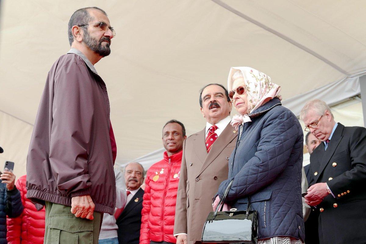 محمد بن راشد يلتقي ملكة بريطانيا بحضور العاهل البحريني