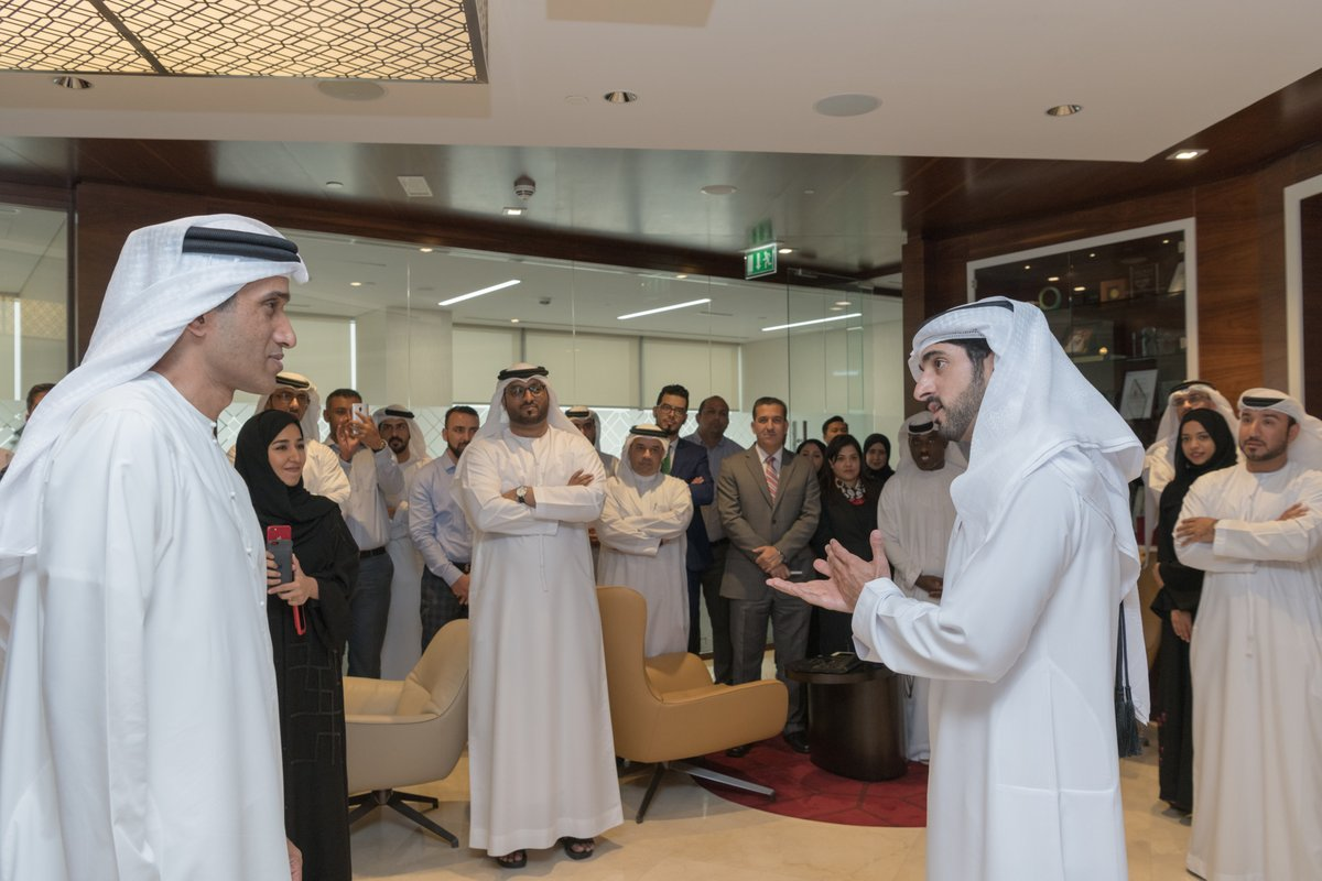 ولي عهد دبي يزور الأمانة العامة للمجلس التنفيذي