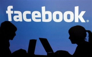 """الصورة: فيسبوك تٌغلق 200 تطبيق لـ""""إساءة استخدام بيانات"""