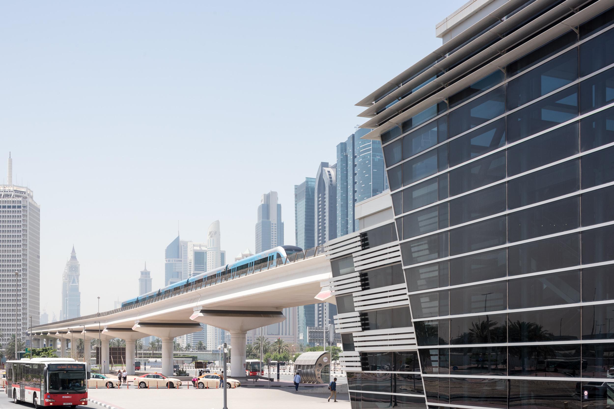 """مواعيد تقديم خدمات """"طرق دبي"""" خلال شهر رمضان المبارك"""
