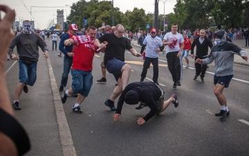الصورة: تحذير مشجعي إنجلترا من استفزاز الروس
