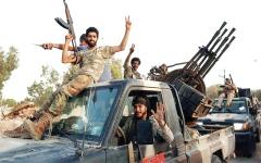 الصورة: الجيش الليبي يعزز تقدمه إلى وسط درنة