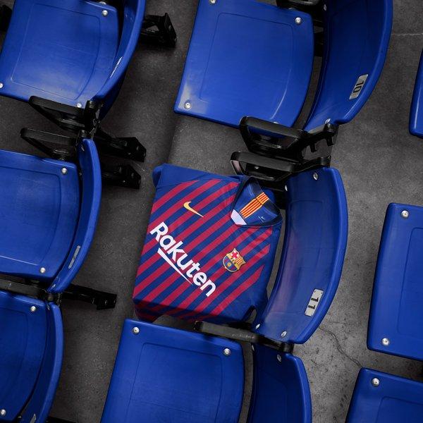 برشلونة يكشف عن قميصه للموسم المقبل