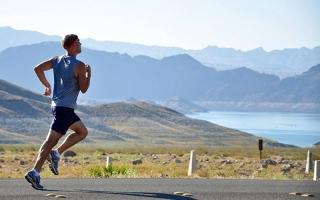 الصورة: علماء يحذرون من المبالغة في الجهد البدني