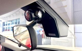 """""""طرق دبي"""" تُزوِّد  مركبات الأجرة بكاميرات مراقبة لرصد سلوك السائقين"""