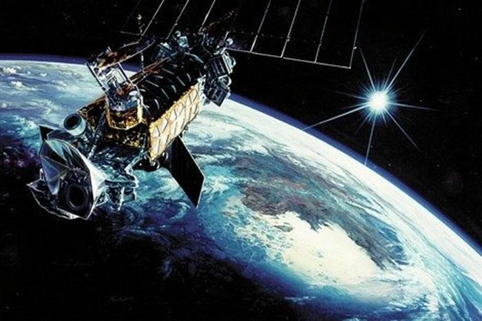 الصين تطلق قمرا صناعيا للاستماع إلى أصول الكون
