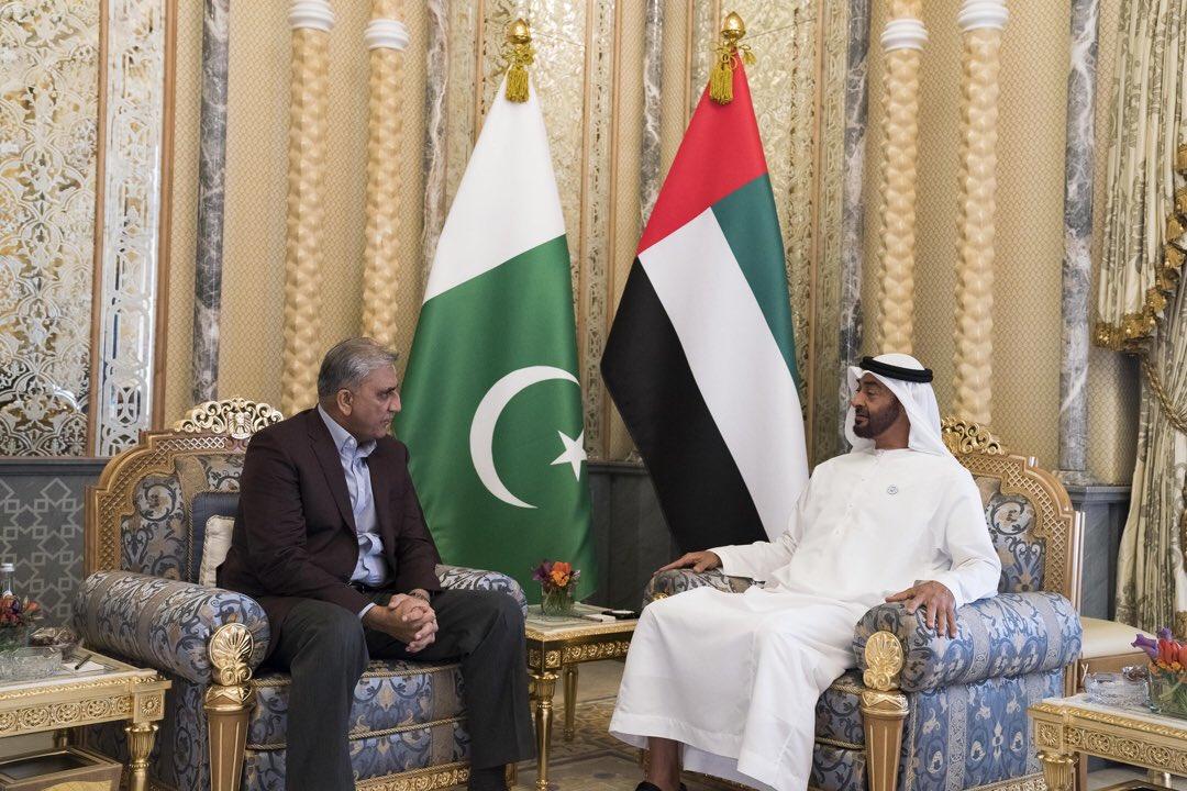 محمد بن زايد وقائد الجيش الباكستاني يبحثان سبل تعزيز التعاون الثنائي