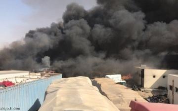 الصورة: حريق في منفذ البطحاء بالسعودية