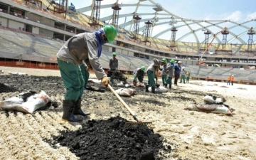 الصورة: 600 عامل هندي يكافحون الفقر والجوع في قطر