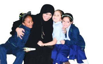 الصورة: حمدة لوتاه..37 عاماً فـي تربية أجيال المستقبل