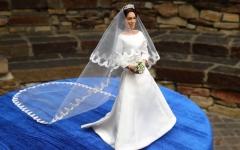 """الصورة: """"دمية"""" ميغان تظهر في أميركا بعد ساعات من الزفاف"""