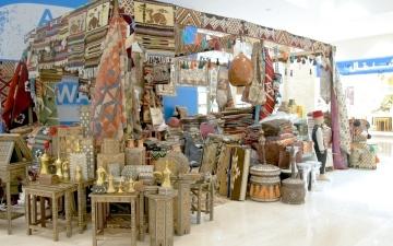 الصورة: نور القاسمي تفتتح سوق التراث الخيري