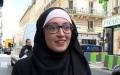الصورة: سياسيو فرنسا ينتقدون طالبة بسبب حجابها