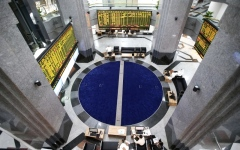 الصورة: الأسهم المحلية تعزز مكاسبها بـ 11 ملياراً مع استمرار التفاؤل بالقرارات الحكومية