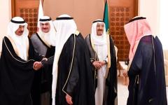 الصورة: أمير الكويت ورئيس وزراء البحرين يبحثان ملفات المنطقة