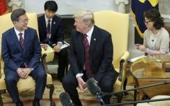 الصورة: ترامب يلمح لإرجاء القمة مع كيم جونغ أون