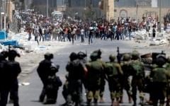 الصورة: اعتقالات وإصابات في الضفة وطائرات الاحتلال تقصف غزة