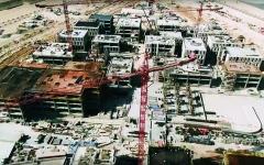 الصورة: اكتمال قاعدة ساحة الوصل في موقع إكسبو 2020