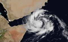 الصورة: استبعاد وصول إعصار «مكونو» للدولة