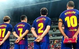 أسطورة البرازيل يدعو صلاح للانضمام إلى برشلونة