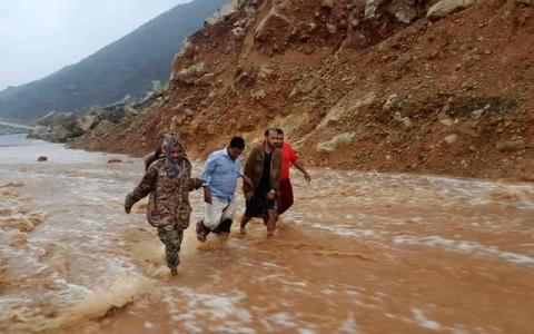 الصورة: إعصار «مكونو» يحوّل سقطرى إلى جزيرة منكوبة