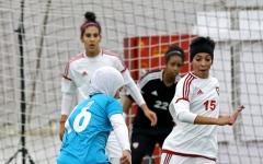 الصورة: «رويال أ» يواجه «سما»   في نهائي كرة السيدات