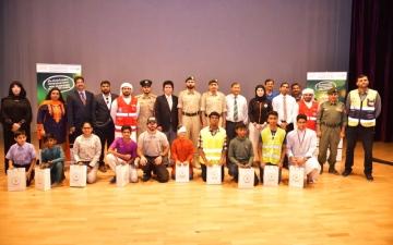 الصورة: تعريف طلبة المدرسة الهندية في دبي بمخاطر الألعاب النارية
