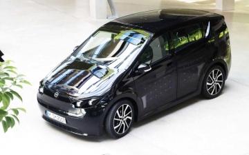 الصورة: شركة ناشئة تطور سيارة بالطاقة الشمسية