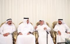 الصورة: حاكم رأس الخيمة يقدم العزاء إلى أسرة الشرهان