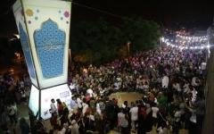 الصورة: إضاءة أكبر فانوس رمضاني في فلسطين