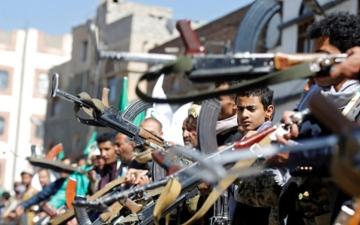 الصورة: ميليشيا الحوثي تختطف  180 موظفاً