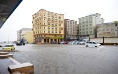 الصورة: عُمان تواجه إعصار مكونو بخطة طوارئ